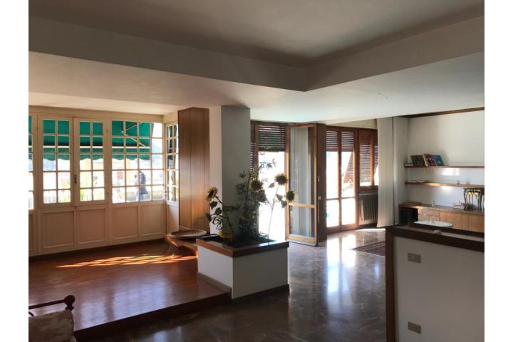 Prestigioso Appartamento Di 170 Metri Con Grande Terrazza
